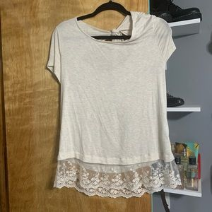 T-shirt with lace detail and tie in back